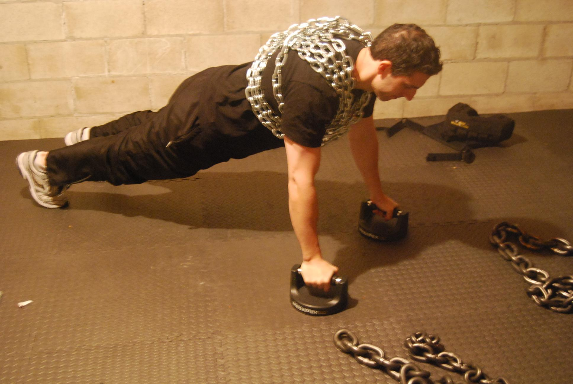 Chain Push Ups – New Adonis Workout in the Making